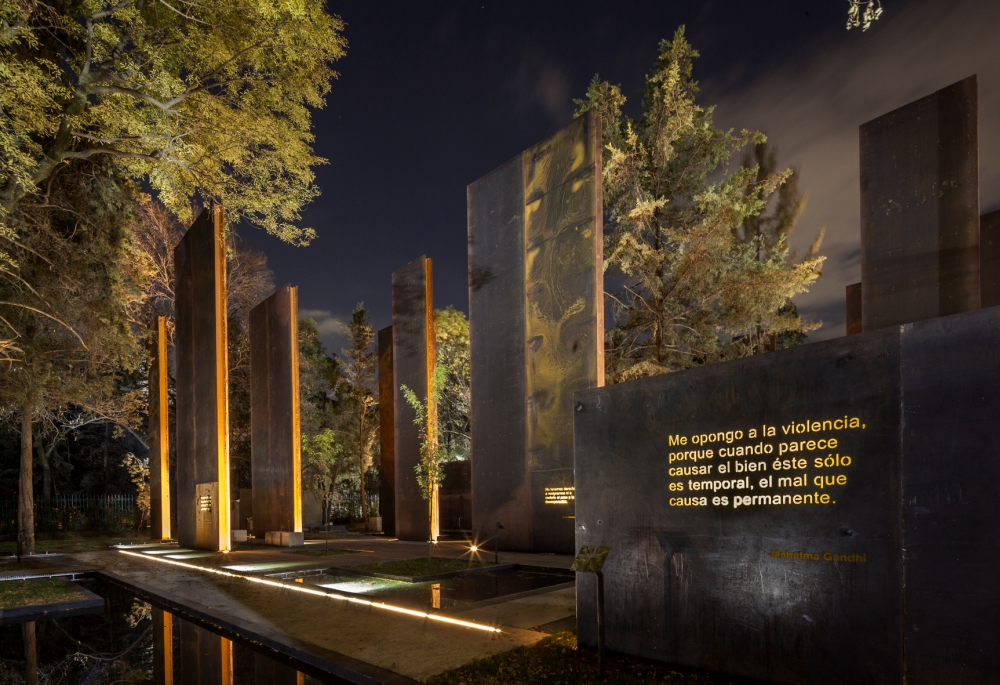architectural lighting design memorial to the victims of violence in mexico mexico lighting design images