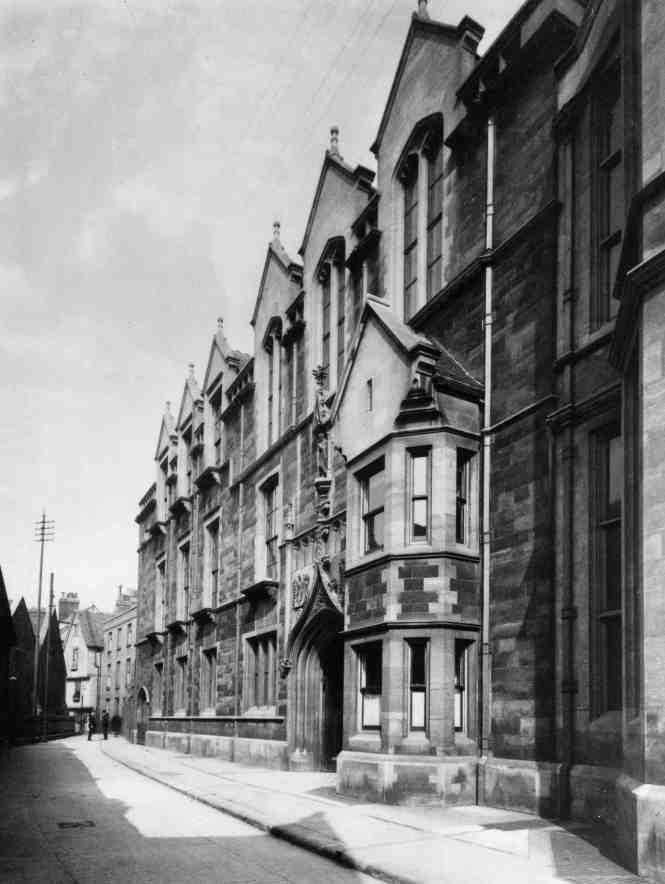 Old Cavendish Laboratory, University of Cambridge: Credit: AIP Emilio Segré Visual Archives.