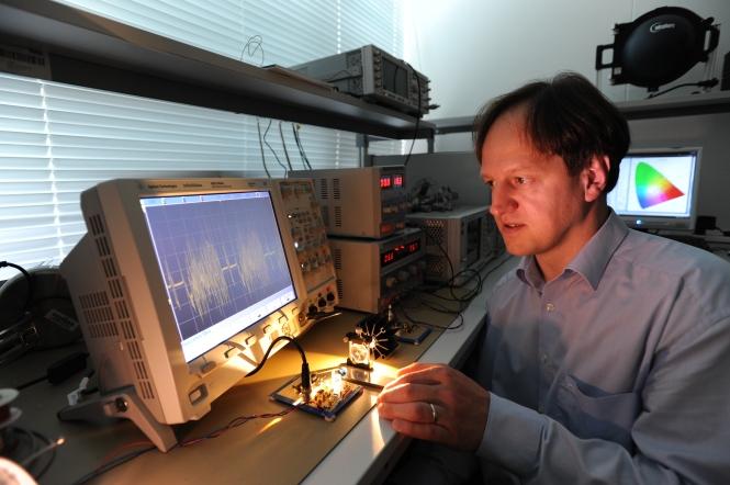 Harald Haas on the laboratory. Credit: Harald Haas.