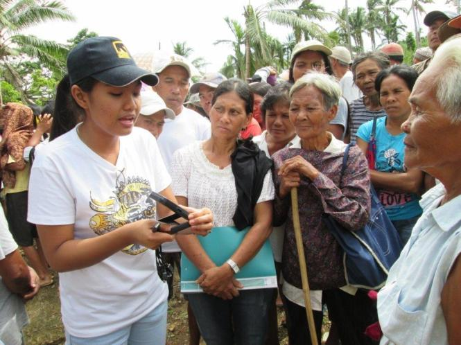 Training of beneficiaries before the receive Waka Waka lights in San Dionisio municipality, Philippines. Credit: WakaWaka.