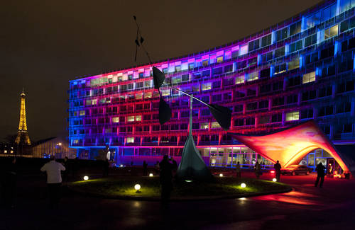 Light is Here Installation at UNESCO HQ during the IYL 2015 Opening Ceremony. Credit: UNESCO.