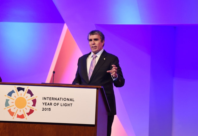 """It's incredible,"" Nobel Laureate Eric Betzig said, reflecting on how far we've come with light technologies in the last 400 years. ""And yet there's still so much we don't know."". Credit: Jason Socrates Bardi."