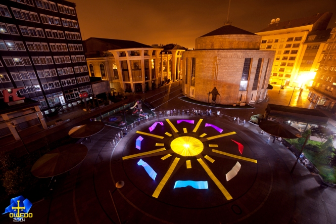 The Light Painting World Alliance (LPWA) contributed to a community art experience by using light to paint the IYL 2015 logo on Plaza de la Gesta in Oviedo, Spain. Credit: LPWA.