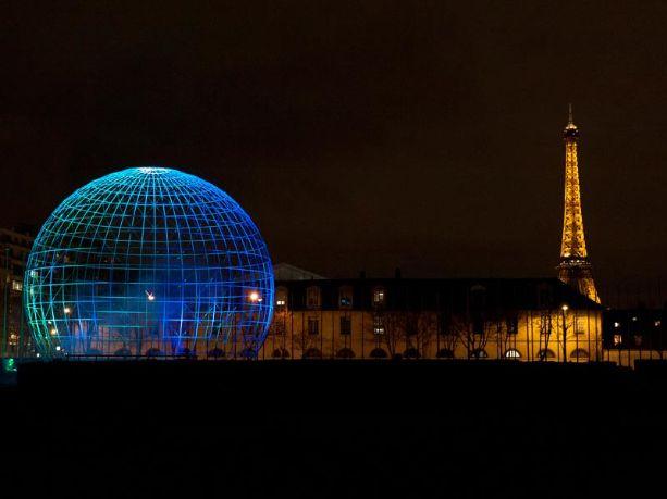 Light is Here installation at UNESCO HQ. Credit: Kari Kola.